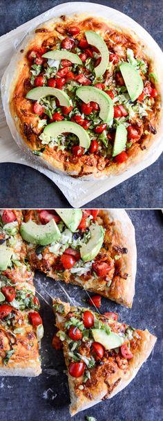 Chicken Enchilada Pizza I howsweeteats.com