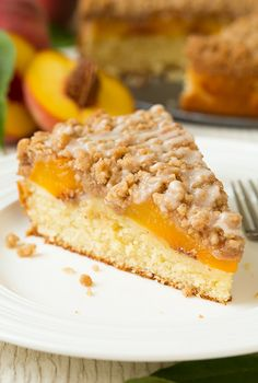 Crumb cakehas got to be one of the best desserts/breakfast treats. Okay, I say that about pretty much any dessert but this Peach Crumb Cake is utterlydel