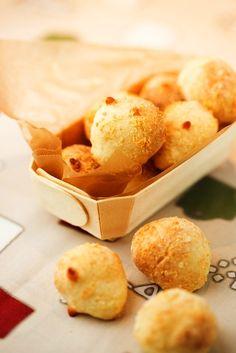 2014年1月 - 坂下美樹の ベンチタイムをご一緒に 粉チーズや溶けるチーズをたっぷり加えた一口サイズのポンデケージョ。ポンデケージョは本来キャッサバ粉というものを使って作りますが、切り餅を使ってもなかなかの ...