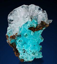 Calcite and Rosasite - Ojuela Mine, Mapimí, Durango, Mexico