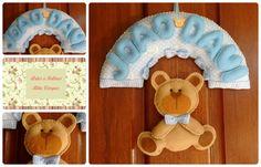 Enfeite de porta com bichinho e nome, personalizado, produzido em feltro e tecido. Contato: Rita (51) 98939-6174