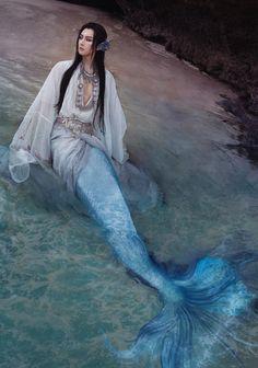 Fairy Cosplay, Cosplay Boy, Human Poses Reference, Underwater Creatures, Chinese Man, Royal Dresses, Mermaids And Mermen, Merman, Merfolk