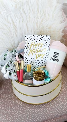 Need a cute Mother's Day gift for a new mom or mama-to-be? Learn how to make a New Mom Survival Kit for her to help her survive motherhood in style! It includes relaxing gifts for mom that she'll love, and of course, the most beautiful Mother's Day card from American Greetings! Click through this pin to see this easy DIY gift! #ad | Mother's Day gift idea, DIY gift idea for moms, baby shower gift idea, DIY baby shower gift, new mom gift, gift for pregnant friend, new mama, first Mother's Day