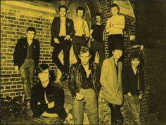 The Undertones and The Clash. Topper Headon, Proto Punk, Mick Jones, British Punk, The Undertones, Joe Strummer, Rock News, Band Pictures, The Clash