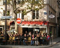 Paris - St Sulpice: good spot for meeting with friends