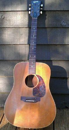Vintage '69 Gibson j-50 Acoustic Guitar