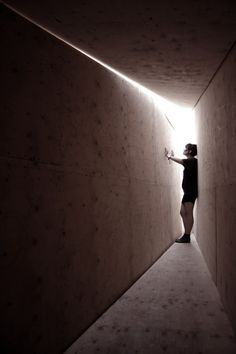 Gallery of Light Lab / VaV Architects - 14 - Arquitectura Diseno Shadow Architecture, Romanesque Architecture, Sacred Architecture, Cultural Architecture, Education Architecture, Classic Architecture, Light Architecture, Residential Architecture, Architecture Design
