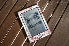 * Angel of Berlin: [reads...] A new skin for my beloved Kindle II