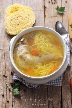 Supa de gaina cu taitei preparare Cheeseburger Chowder, Food, Meal, Essen, Hoods, Meals, Eten