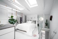 Lundin Fastighetsbyrå - 2:a Vasastaden - Unik etagelägenhet med wow-faktor & stor takterrass! Small Spaces, Bedroom, Inspiration, Furniture, Home Decor, Biblical Inspiration, Decoration Home, Room Decor, Bedrooms