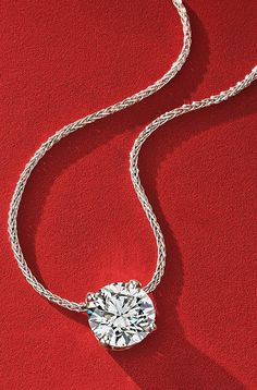 Find brilliant gifts for everyone on your list! Like this stunning diamond pendant - jewelry is 15% off, don't miss out!