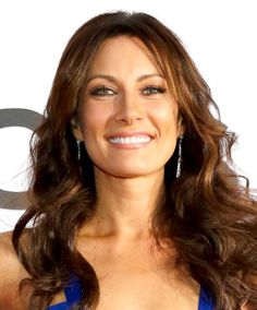 The beautiful and hilarious Broadway and television star Laura Benanti. Tony award winner for Gypsy, Cinderella in the 2002 Into The Woods revival, Maria Amaro on Law and Order: SVU, Sadie Stone on Nashville, and so much more! A woman of many talents
