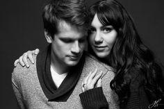 Lincoln, Nebraska, Photographer, photo, couple, portrait, picture, studio, black and white, sweater