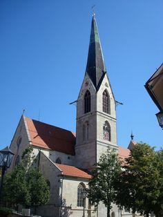 Rottweil, das Heilig-Kreuz-Münster, die spätromanische Pfeilerbasilika wurde Anfang des 13.Jahrhunderts erbaut, im 19.Jahrhundert erfolgte eine Regotisierung, Aug.2010