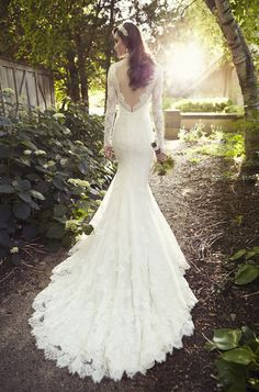 Sample Sale Wedding Dress - Essense of Australia D1745 Size 4, Ivory. Retail price $1899. Sale Price $950.00. What a steal! Essense of Australia D1745 for $950 won't last long. Call for more info 813-288-0101 Largest Sample Sale in Florida starts 6/16/17 at CC's Boutique, Tampa