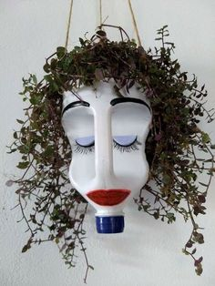 Give this bleach bottle planter googly eyes, and hang it in the window to prevent break ins. Make it out of bleach bottle use permament markers a hanging plant and a steing snd dirt your set This hanging planter made from a plastic jug cracks me up! Recycled Crafts, Diy And Crafts, Recycled Garden, Recycled Materials, Bleach Bottle, Pot Jardin, Deco Nature, Plastic Bottle Crafts, Plastic Jugs