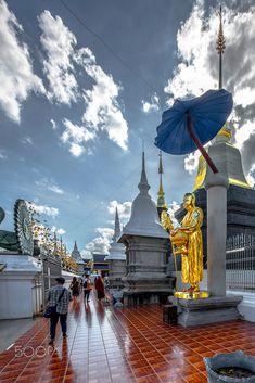 Wat Ban Den, Chiang Mai, Thailand Travel Checklist, Travel Tips, Find Cheap Flights, Chiang Mai, Trip Planning, Traveling By Yourself, Taj Mahal, Thailand, Den