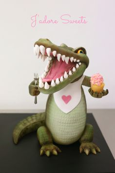 3d Cakes - This sculpted croc was created in a workshop held by the talented Margie Carter.