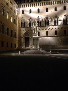 Statue of Sallustio Bandini, Palazzo Salimbeni  Siena, Italy CET/Summer Italian Studies 2015 @cetacademicprograms