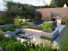 Play with raised beds: Well-designed raised beds create the illusion of a garden on different levels. Once built the areas beside them can also be ra Contemporary Garden Design, Small Garden Design, Landscape Design, Rooftop Garden, Lawn And Garden, Modern Landscaping, Garden Spaces, Beautiful Gardens, Backyard