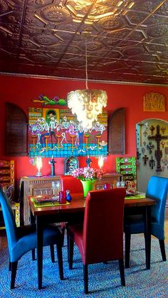 Congrats to our recent winner, Joseph Miracle, on a gorgeous tin-tiled Dia de los Muertos themed space - looks fantastic. Enter your tin installation on our Facebook or blog for a chance to win an iPad!
