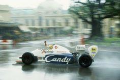 Senna celebrando su segundo puesto en Mónaco