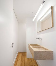 Apartamento no Restelo / OW arquitectos White Bathroom, Bath Time, Home Interior Design, Architecture Design, Bathtub, Powder Rooms, Toilets, Portugal, Bathrooms