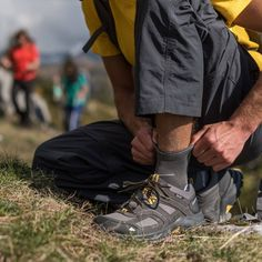f288dbe6159 Zapatillas de trekking y montaña hombre mh100 impermeables azul
