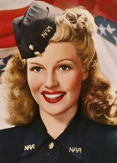 retrogasm: Happy Veterans Day from Rita Hayworth. retrogasm: Happy Veterans Day from Rita Hayworth. Old Hollywood Glamour, Golden Age Of Hollywood, Vintage Hollywood, Hollywood Stars, Classic Hollywood, Rita Hayworth, Divas, Sainte Rita, Actrices Hollywood