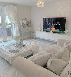 Cozy all white modern living room decor… Cozy all white modern living room decoratin Minimalist Living Room Furniture, Modern White Living Room, Indian Living Rooms, Decor Home Living Room, Home Decor, Modern Room, Furniture Shopping, Furniture Online, Furniture Stores