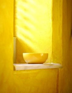 Here's our Mellow yellow photo gallery including pictures of luscious decor, fashion shoes, accessories and nature. Living Colors, Jaune Orange, Yellow Brick Road, Yellow Walls, Yellow Tile, Tadelakt, Yellow Interior, Yellow Submarine, Mellow Yellow