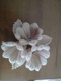 Best 11 How to Crochet a Solid Granny Square Crochet Doily Rug, Crochet Leaves, Crochet Flower Patterns, Freeform Crochet, Flower Applique, Crochet Gifts, Cute Crochet, Irish Crochet, Crochet Designs