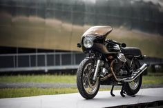 RocketGarage Cafe Racer Guzzi Vintage