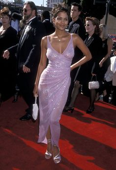 2000 Was *the* Year for Naked Dresses on the Emmys Red Carpet Iconic Dresses, Gala Dresses, Red Carpet Dresses, Club Dresses, Glamouröse Outfits, Fashion Outfits, 2000s Fashion, Runway Fashion, Pretty Dresses