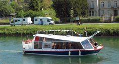 Promenade en bateau sur la Meuse #tourisme #campingcar Promenade En Bateau, Location Camping Car, Champagne, Vans, Boat, Vehicles, Tourism, Dinghy, Van