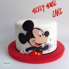 Torta de Mickey Mouse en Medellín por Dulcepastel.com - Mickey Mouse Cake  #mickeymousecake #tortamickeymouse #raton #mickey #torta #cake #mouse #disney  #tortasmedellin #tortaspersonalizadas #tortastaticas #cupcakes #cupcakesmedellin #deliciosastortas #tortasinfantiles #tortasdecoradas #tortastematicas #cupcakes #tortasfrias #tortasfondant #tortasartisticas #tortasporencargo #reposteria #medellin #envigado #colombia #antioquia #tortasenvigado #redvelvetcake