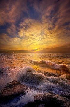 natural cures On the shore of Lake Michigan in Wisconsin. Wisconsin Horizons by Phil Koch. Image Nature, All Nature, Amazing Nature, Beautiful World, Beautiful Places, Beautiful Pictures, Landscape Photography, Nature Photography, Photography Courses