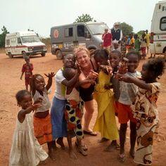 """Misión Humanitaria, Nuestro Grupo de Acción Social """"GAS"""" esta realizando un Viaje en #misionhumanitaria Guinea Bissau, con compañeros españoles y portugueses.  Entregaran alimentos, material escolar, ropa, etc, ademas de los propios vehículos en los que se incluyen varias Ambulancias. #crecimientopersonal     #trabajadesdecasa #emprendedoresonline #internetmarketing #internetmarketer #aidayjuanramon #misionhumanitaria   #accionsocial    http://aidayjuanramon.com/google+"""