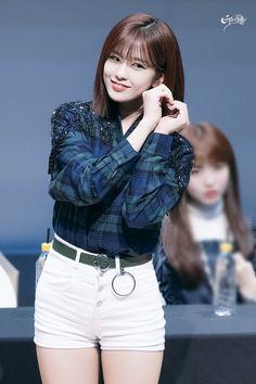 181109 Sangam S-Flex fan signing Kpop Fashion, Korean Fashion, Womens Fashion, Korean Girl, Asian Girl, Yu Jin, Woo Young, Japanese Girl Group, Famous Girls