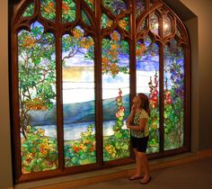 Beauty in Glass and Gorge: Escape to Corning New York Archives - This Girl Travels Modern Stained Glass, Stained Glass Art, Stained Glass Windows, Mosaic Glass, Corning Museum Of Glass, Ranch Homes, Art Of Glass, Tiffany Glass, Leaded Glass