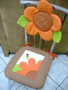 Assento de cadeira by anabordados, via Flickr