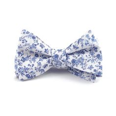 This white and light blue floral bow tie will have you ready for any occasion this season! The soft shades of blue in this floral gives this bow tie a beautiful depth, while maintaining a soft and airy feeling. Perfect for a Serenity Blue or Dusty Blue themed wedding.  Style: Traditional Self-Tie or Already Tied Ready to Wear  Size: Adjustable. Approximately 14 - 18. >> Custom sizes available upon request! Please message us your neck size for a custom length, or include your neck size i...