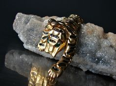 #shoulderjewellry Gold Tiger jewelry. 1980 shoulder brooch. by OnceLostBoutique