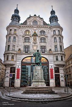 Gutenberg monument. Vienna | Johannes Gutenberg was the inve… | Flickr