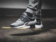 """RELEASE REMINDER The Nike Air Presto Quickstrike """"Fleece Pack"""" is coming to our shop tomorrow! We're pretty much in love with the @nike """"Fleece Pack"""" since it arrived last week. But the Air Presto Quickstrikes are just blowing us away. One of our favorite silhouettes right now got an awesome Fleece-makeover in black and grey! Search for """"Air Presto"""" at 43einhalb.com. Release: 12.09.2015 