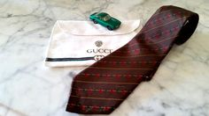 Authentic GUCCI Necktie, Made In Italy, 100% Silk, Gucci Brown, Bag included…