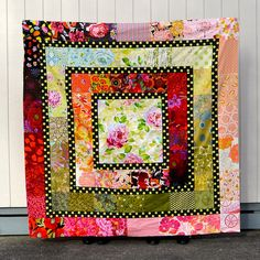 Helen's Quilt by AdrianneNZ - luv, luv, luv - makes me wanna run up to my sewing room right now! and start cutting fabric