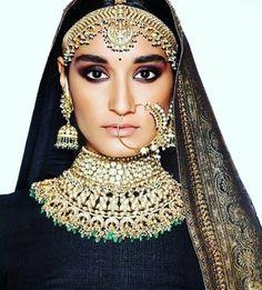 Rajasthani jewellery by sabyasachi  #rajasthani #rajasthanijewellery #rajasthanilook #banarasiweaves #sabyasachi #sabyasachimukherjee #sabyasachibride #sabyasachilove #indianjewellery #indian #banarasi