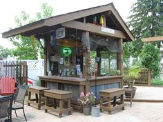Shed Diy Tiki Bar Backyard Pool Bar Built with Old Patio Outdoor Patio Bar, Outdoor Kitchen Bars, Backyard Bar, Outdoor Kitchen Design, Outdoor Spaces, Outdoor Living, Outdoor Decor, Diy Patio, Outdoor Bars