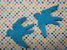 FREE Flying Swallow/ Bird Applique pattern  (Crochet) - Pinned by intheloopcrafts.blogspot.co.uk